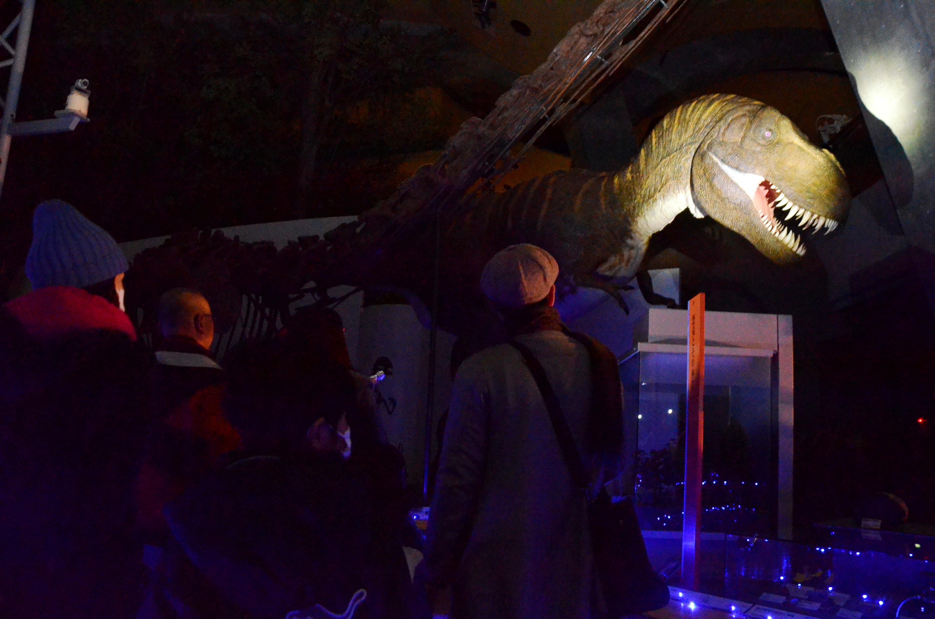暗闇のティランノサウルス